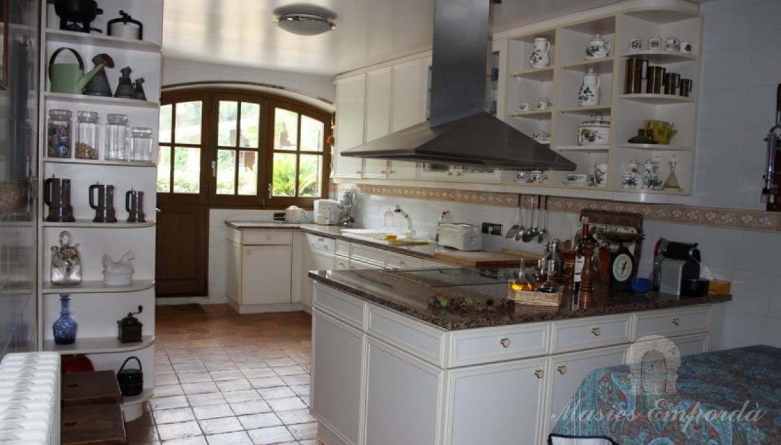 Cocina de la casa junto al comedor principal.