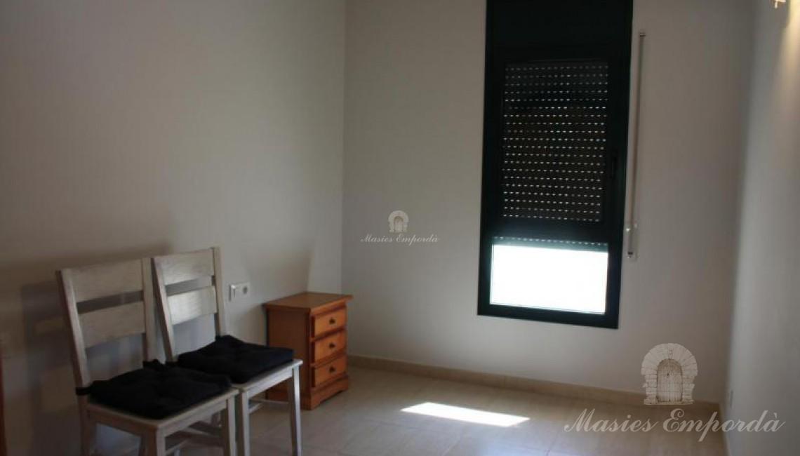 Habitación doble con armarios empotrados en la primera planta