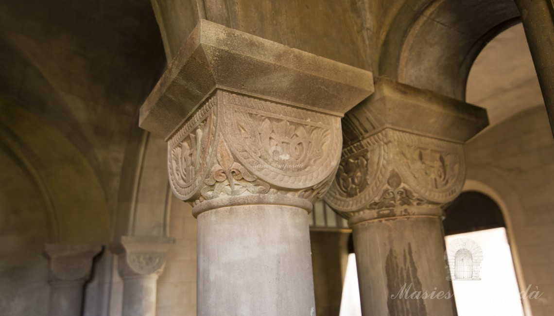 Details of the capitals of the columns inside the castle
