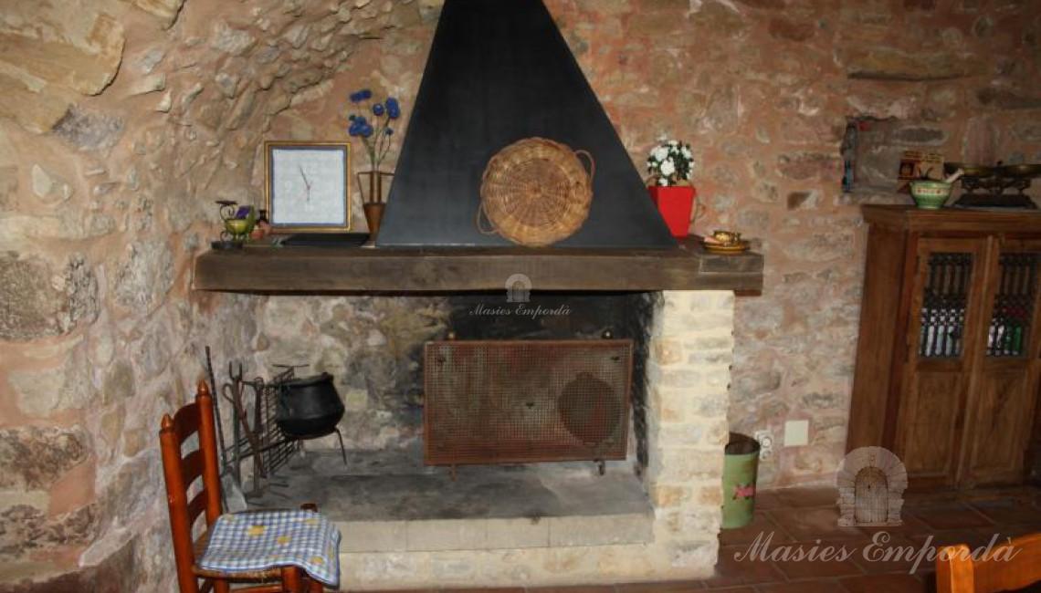 Detalle de la chimenea de la cocina