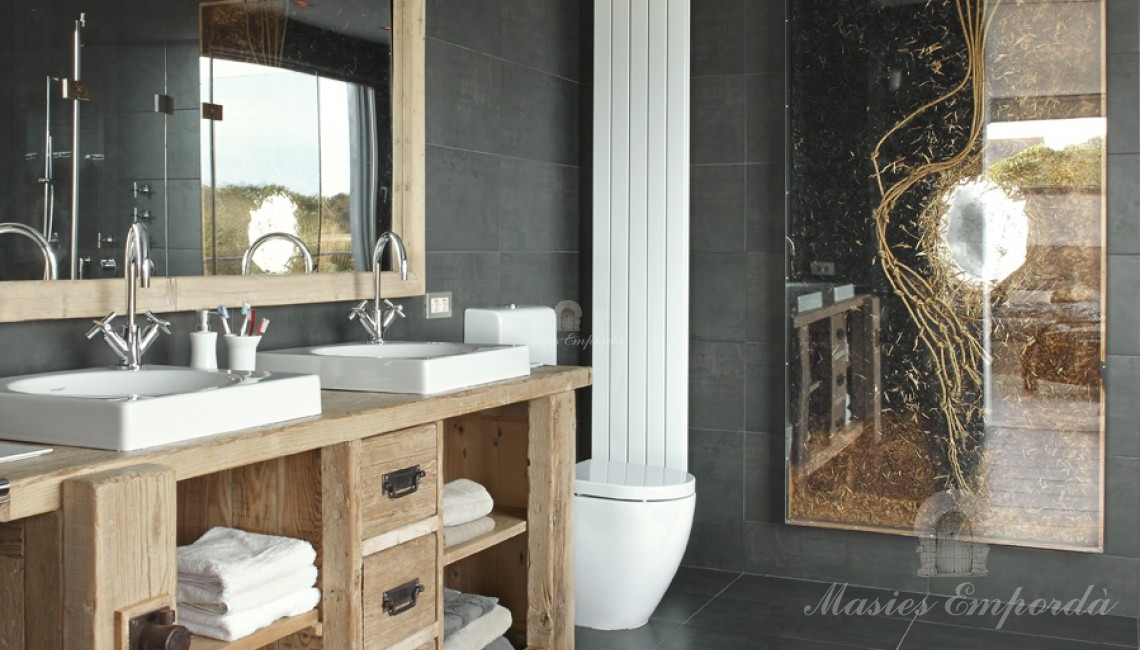 Bathroom of the Suite