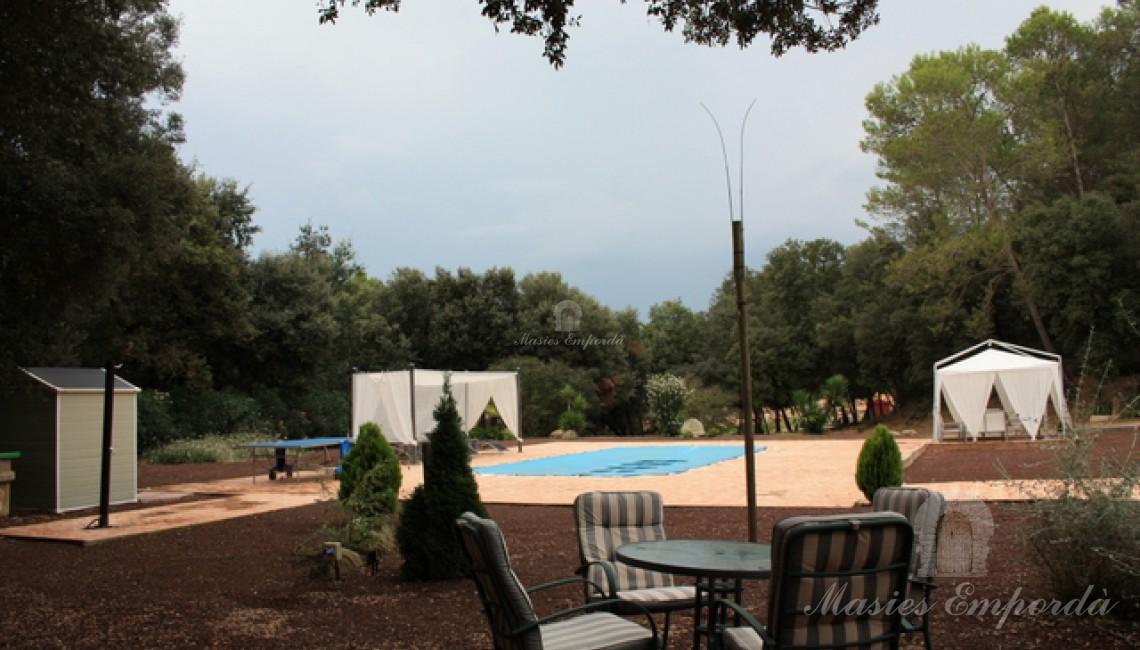 Vista general de zona de piscina