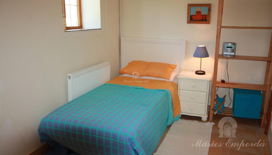 Una de la habitaciones individuales