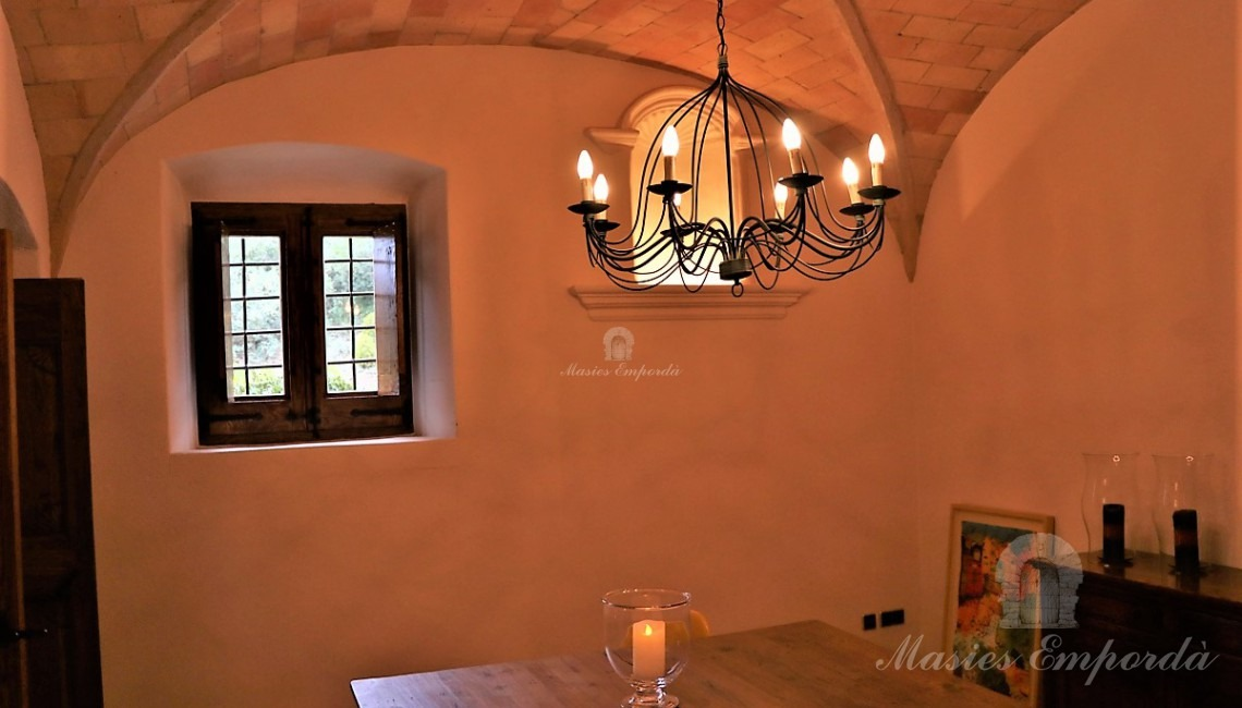 Dining room next to the kitchen