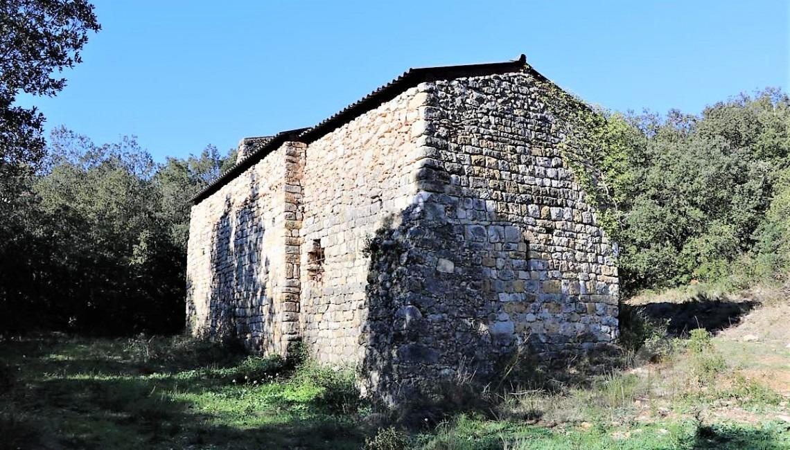Lateral posterior de la ermita