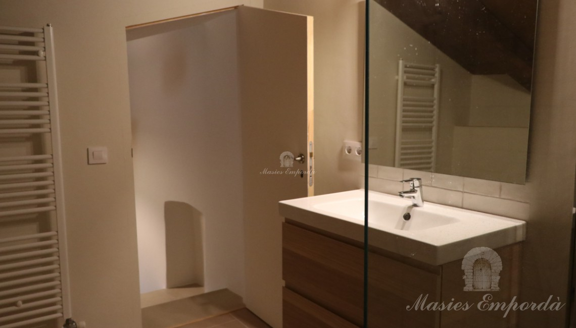 Bathroom in one of the rooms