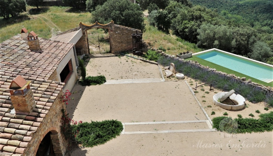 Views from the windows of the garret of the garden, pool and annexes