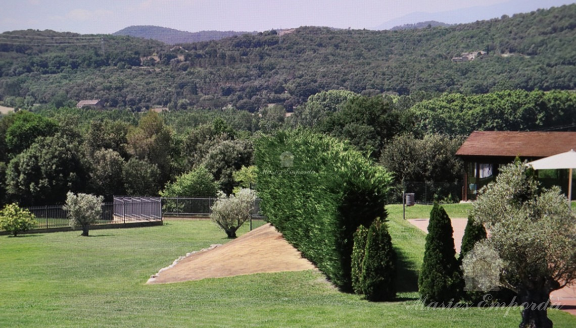 Views of the garden and mountains