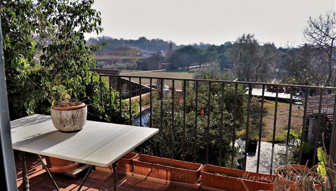The terrace with views