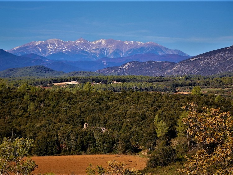 Spectacular views of Canigó from the farmhouse