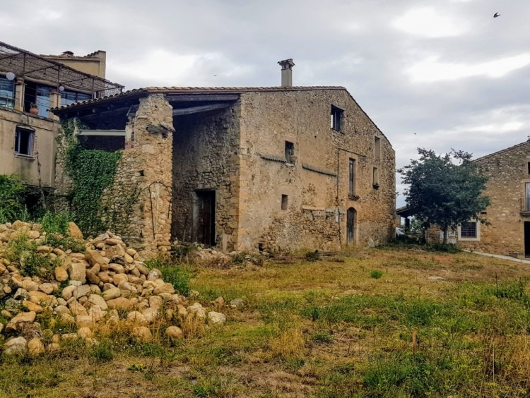 Views of the house and plot