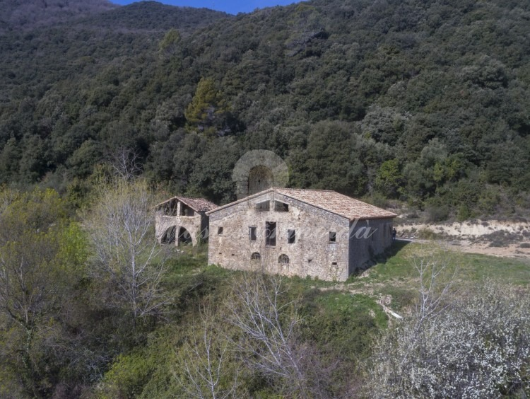 General view of the farmhouse