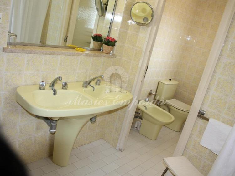Baño completo de una de las habitaciones