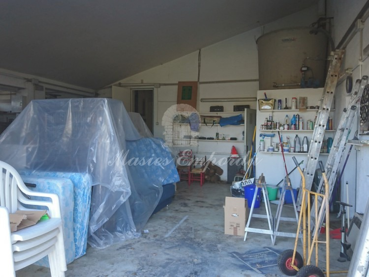 Garage and back workshop of the house