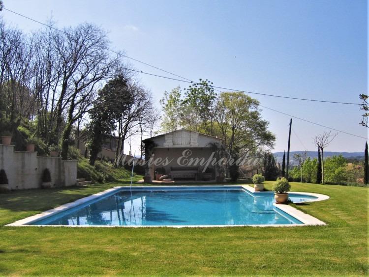 Vista de detalle de la piscina