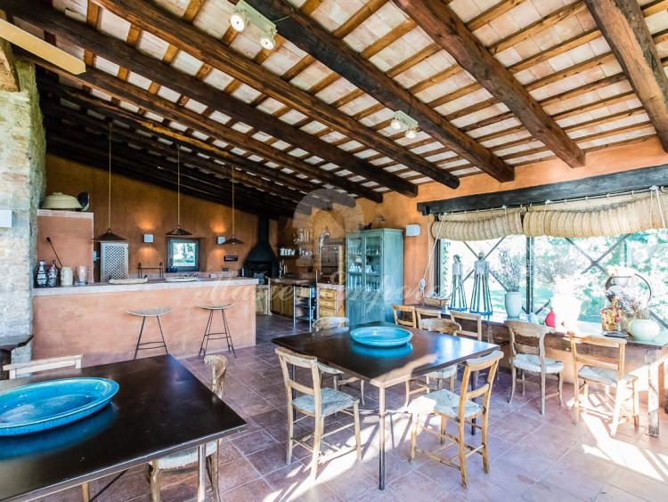 Bar y barbacoa del porche de la piscina