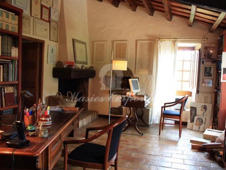 Despacho y biblioteca anexa  de la habitación principal en suite