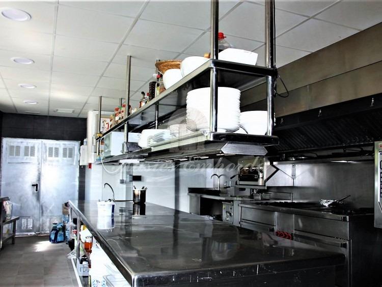 La cocina principal del la planta
