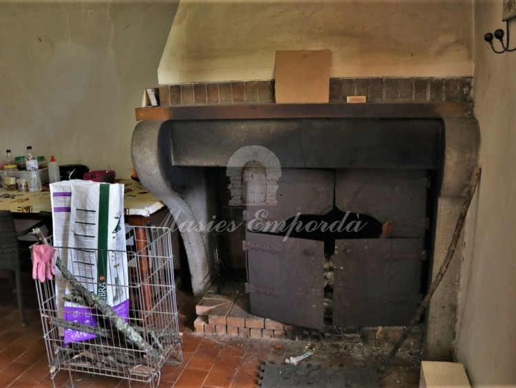 Detail of the kitchen fireplace
